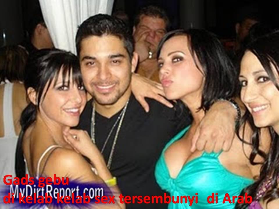Gadis gebu di kelab kelab sex Arab yang tersembunyi